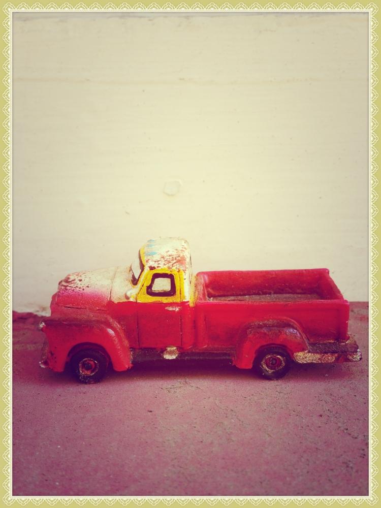 toy truck_Fotor